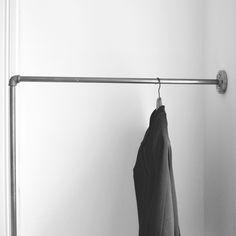kleiderstange einfach an der wand befestigt clothes rail wall mounted various steel pipe. Black Bedroom Furniture Sets. Home Design Ideas