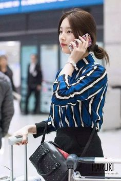 Bae Suzy Pop Fashion, Asian Fashion, Fashion Outfits, Female Fashion, Fashion Photo, Miss A Suzy, Airport Style, Airport Fashion, Korean Aesthetic