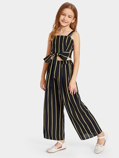 To find out about the Girls Tie Waist Striped Crop Top & Wide Leg Pants Set at SHEIN, part of our latest Girls Two-piece Outfits ready to shop online today! Dresses Kids Girl, Kids Outfits Girls, Cute Girl Outfits, Cute Outfits For Kids, Cool Outfits, Cute Clothes For Kids, Girls Fashion Clothes, Tween Fashion, Girl Fashion