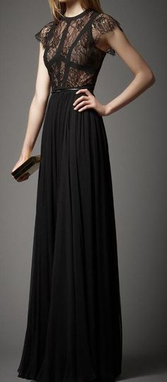 Elie Saab - Pre-Fall 2012 For the love of evening gowns.Elie Saab never disappoints! Dresses Elegant, Black Prom Dresses, Pretty Dresses, Formal Dresses, Bcbg Dresses, Dress Black, Black Gowns, Fashion Dresses, Gq Fashion