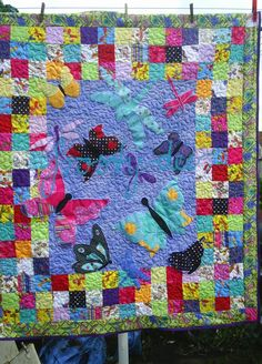 """Look What Ive Made - Projects - Sewing - """"Things that Flutter By"""" Quilt"""