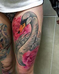 Afbeeldingsresultaat voor neo traditional swan tattoo