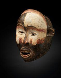 Masque, Kongo, R.D. Congo, fin du XIXe siècle. Bois, kaolin et polychromie. H. : 25 cm © RB Gallery