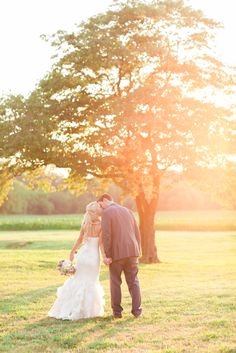 Jen   Mike \ Worsell Manor, Maryland Rustic Wedding Photography \ a little preview