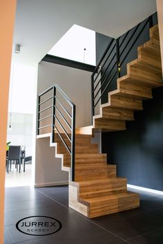 Staircase Outdoor, Modern Staircase, Dream Home Design, Home Interior Design, House Design, Stair Renovation, Stair Railing Design, Staircase Remodel, Interior Stairs