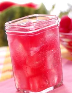 watermelon vodka, lemon lime soda, cranberry juice and ice.
