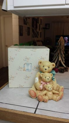"CHERISHED TEDDIES ""FRIENDS COME IN ALL SIZES"" 951196 DAD, MOM & BABY BEAR/9"" in Collectibles, Decorative Collectibles, Decorative Collectible Brands, Enesco, Cherished Teddies, Other Enesco Cherished Teddies 