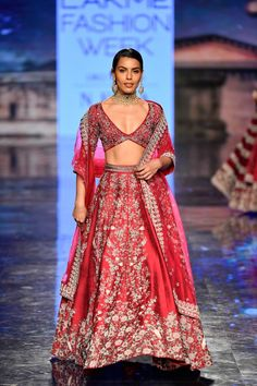 Lakme Fashion Week Our Favorite From The Runway! India Fashion Week, Lakme Fashion Week, Fashion Weeks, Make Up India, Yellow Lehenga, Manish Malhotra, Indian Couture, Couture Week, Bridal Lehenga