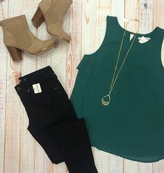 Sometimes all you need is a pop of color! 💚 #xoxoAL4You #blackskinnies #emerald #booties #ALmissoula