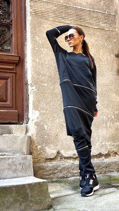 New Collection SS/15 Black Extravagant Maxi Dress / NEOPREN Zipper Maxi Top with pocket by AAKASHA_A03172 Habe ich mir gerade bestellt und freue mich drauf. Super Qualität! Ist nicht mein erstes Teil von Aakasha.