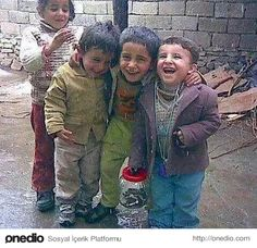 20 Innocent Photographs That Indicate The World& Most Beautiful Beings are Children - Bebekler - Çocuklar - Babies, Childrens - Precious Children, Beautiful Children, Beautiful People, Kids Laughing, Jokes For Kids, World's Most Beautiful, Comedy Movies, People Of The World, Happy Moments
