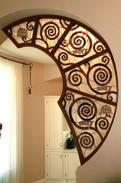 витраж в стиле Арт Деко по мотивам дерева Климта