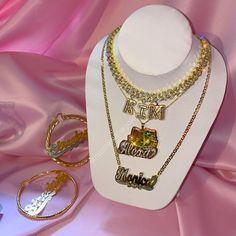 LUXURY CUSTOM JEWELRY AND ACCESSORIES Custom Necklaces, Custom Jewelry, Hello Kitty Nails, Nameplate Necklace, Luxury, Ice, Accessories, Shopping