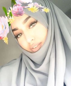 Beautiful Muslim Women, Beautiful Hijab, Niqab Fashion, Fashion Wear, Girl Hijab, Hijab Outfit, Modern Hijab, Coloured Girls, Hijab Fashion Inspiration