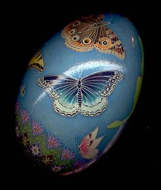 jpg - by So Jeo LeBlond from Pysanky Eggs Art Gallery Egg Crafts, Easter Crafts, Fabrege Eggs, Incredible Eggs, Egg Shell Art, Easter Egg Designs, Easter Ideas, Carved Eggs, Ukrainian Easter Eggs