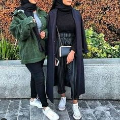 On the waterfall style; these styles of outfits are so fashionable this season. enjoy the winter hijab fashion collection and pick your favorite style. Modern Hijab Fashion, Hijab Fashion Inspiration, Muslim Fashion, Modest Fashion, Fashion Outfits, Fashion Fashion, Modest Outfits Muslim, Grey Fashion, Cheap Fashion
