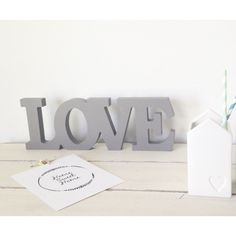 Love letras decorativas gris