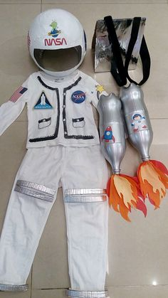 Space Crafts For Kids, Sewing Projects For Kids, Diy For Kids, Kids Astronaut Costume, Astronaut Party, Space Costumes, Cool Costumes, Space Party, Space Theme