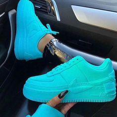 AreeisBoujee - Schuhe - AreeisBoujee-靴- Cute Sneakers, Sneakers Mode, Sneakers Fashion, Shoes Sneakers, Jordan Shoes Girls, Girls Shoes, Nike Shoes Air Force, Air Force Sneakers, Aesthetic Shoes