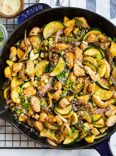 Easy and delicious Zucchini Stir Fry is the perfect recipe for quick weeknight dinners! It's packed with healthy ingredients, and the sauce is incredibly flavorful! Fried Zucchini Recipes, Zucchini Stir Fry, Chicken Zucchini, Chicken Recipes, Stir Fry Squash, Asian Zucchini Recipe, Chicken Ideas, Healthy Chicken, Healthy Meals
