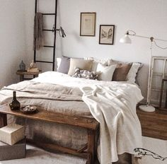 Déco chambre Schlafzimmer Dekor The post Schlafzimmer Dekor & Wohnung appeared first on Master bedroom ideas . Bedroom Inspo, Home Decor Bedroom, Bedroom Ideas, Master Bedroom, Dream Bedroom, Aesthetic Bedroom, Minimalist Bedroom, My New Room, Home Decor Inspiration