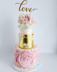 Wedding cake  by Priscilla's Cakes - http://cakesdecor.com/cakes/237696-wedding-cake