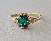 Art Deco 10K Gold Emerald Green Rhinestone Solitaire Engagement Ring