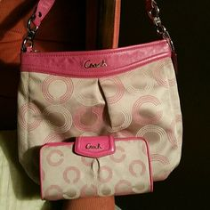 Coach purse and wallet OPIC Signature C... cleaned with no tears or rips Coach Bags