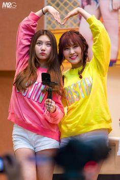 dedicated to female kpop idols. Kpop Girl Groups, Korean Girl Groups, Kpop Girls, Pledis Girlz, Just Girl Things, Korean Artist, Pledis Entertainment, More Cute, These Girls