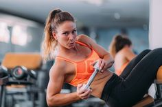 If you want to get the ab results you desire, stop adding hundreds of crunches to your workout routine. Instead, add some dumbbells to these ab exercises. Best Dumbbell Exercises, Stability Exercises, Core Stability, Dumbbell Workout, Core Exercises, Race Training, Strength Training, Training Equipment, Marathon Training