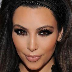 Net zulke smokey eyes als Kim Kardashian? Gebruik hiervoor het Kardashian Beauty face palette. Handig, er zit ook nog een blush bij! http://www.johnbeerens.com/khroma-beauty-kim-kardazzle-face-palette.html