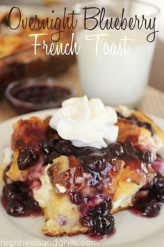 breakfast recipes Overnight Blueberry French Toast // High Heels and Grills. Need a quick and easy breakfast that can be made the NIGHT BEFORE Consider this your new best friend. Breakfast Items, Breakfast Dishes, Eat Breakfast, Breakfast Recipes, Breakfast Casserole, Blueberry Breakfast, Morning Breakfast, Overnight Breakfast, Mexican Breakfast