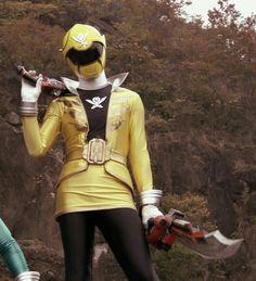 Power Rangers Megaforce, Film 2017, Motorcycle Jacket, Poses, Female, Stylish, Movies, Sketches, Yellow