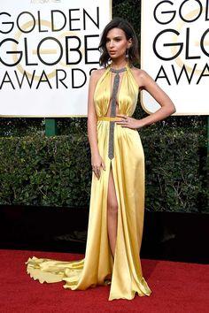 Emily Ratajkowski wearing Reem Acra yellow long dress at Golden Globes 2017