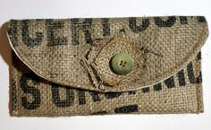 Different, but cool! Burlap Purse, Burlap Bags, Jute Bags, Hessian Crafts, Coffee Bean Sacks, Burlap Coffee Bags, Feed Bags, Burlap Projects, Diy Purse