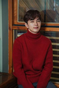 Yoo Seung Ho Pulls Off a Red Turtleneck Sweater and His First Rom-com Drama Role for I am Not a Robot - A Koala's Playground - Pullover Korean Male Actors, Handsome Korean Actors, Korean Celebrities, Asian Actors, Yoo Seung Ho, Lee Min Ho, Asian Men, Asian Boys, Pullover Upcycling