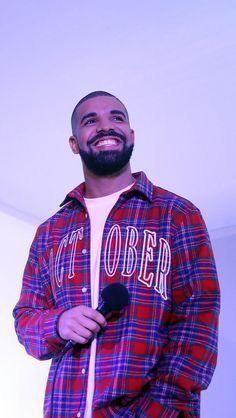 This looks like a genuine smile! Drake Rapper, Drake Photos, Drake Wallpapers, Drake Drizzy, Drake Graham, Aubrey Drake, Whatsapp Wallpaper, Hip Workout, Scott Fitzgerald