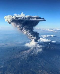 """""""Colima volcano in Mexico eruption seen in 2017 from the airplane! Nature Pictures, Cool Pictures, Erupting Volcano, Wild Weather, Fantasy Landscape, Landscape Photos, Wild Nature, Natural Phenomena, Science And Nature"""