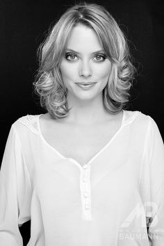 Dressing Your Truth Type 4/1 April Bowlby (Drop Dead Diva)
