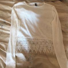 H&m white top Cute, never worn H&M Tops