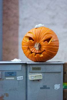 Halloween-#Pumpkin Sideways #DIY Project -- love this #diyblog #kidsart2try…