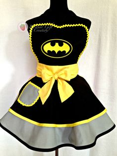 Bat Women/ Bat Girl Apron Present Apron by PersonalGCreation Batman Costumes, Cool Costumes, Halloween Costumes, Princess Aprons, Fleece Crafts, Sewing Crafts, Sewing Projects, Anime Crafts, Cool Aprons
