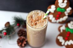 Gingerbread Smoothie (Gluten-free + Vegan)  http://tasty-yummies.com/2012/12/19/gingerbread-smoothie-gluten-free-vegan/