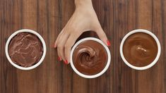 A chocolate frosting cheat sheet to keep you sane this holiday season (nutella cookies easy buttercream frosting) Chocolate Frosting Recipes, Homemade Frosting, Chocolate Buttercream Frosting, Chocolate Desserts, Chocolate Chocolate, Icing Recipes, Nutella Cookies Easy, Nutella Fudge, Easy Desserts