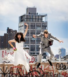 Spunky rooftop wedding on a budget in Brooklyn. Captured By: Priyanca Rao Photography #weddingchicks http://www.weddingchicks.com/2014/10/10/spunky-rooftop-wedding/