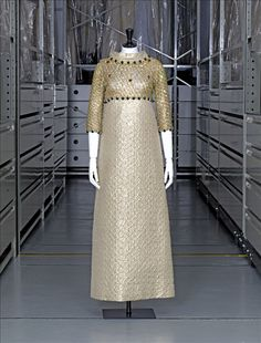 Evening dress, taffeta with lurex weft, gold tulle by Dognin, gold threads and gemstones embroidery by Rébé, Yves Saint Laurent, 1966