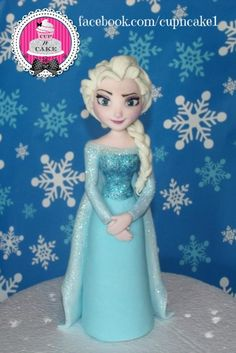 Elsa fondant cake topper - Cake by Danielle Lechuga
