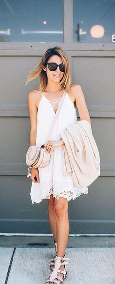 street style / white summer dress