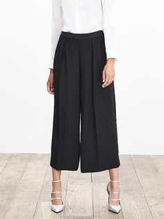 BR Monogram Pleated Wide-Leg Crop Product Image