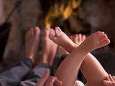 I truly believe that peace on earth starts at home, and that's why my website and my books have one focus, to promote peace in families. Peace must begin inward ; we must first find peace in ourselves. Mindful Parenting, Peaceful Parenting, Gentle Parenting, Kids And Parenting, Parenting Articles, Parenting Hacks, Peaceful Home, Pregnancy Quotes, Magazines For Kids